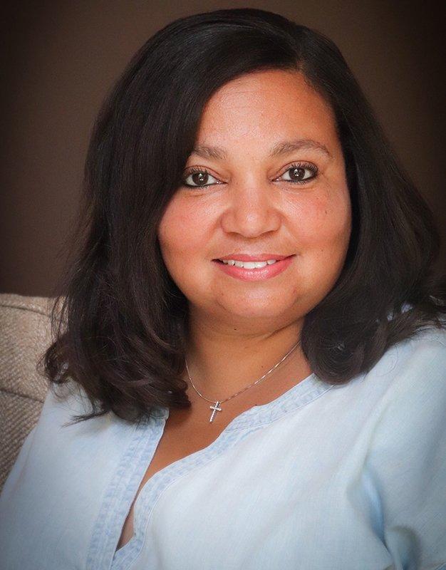 Author Deedee Cummings